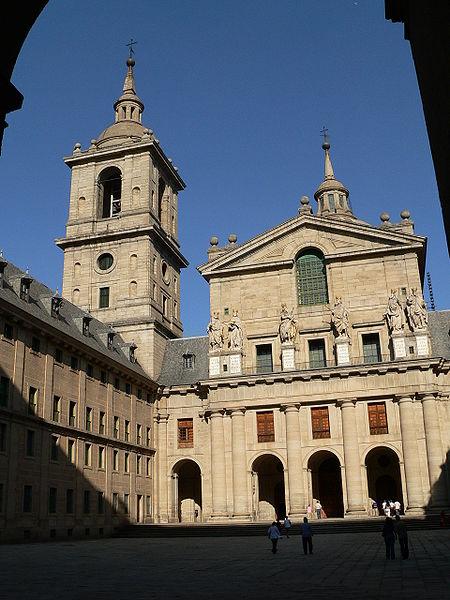 El Escorial fachada basilica