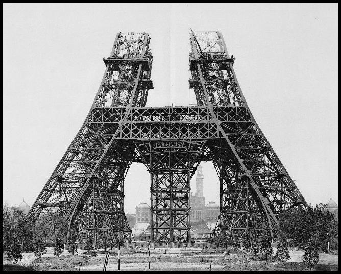 Torre EIFFEL construcción parcial