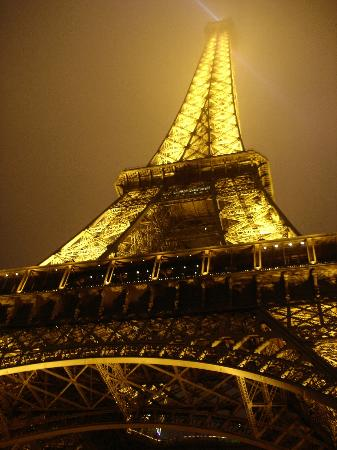 Torre EIFFEL vista iluminada
