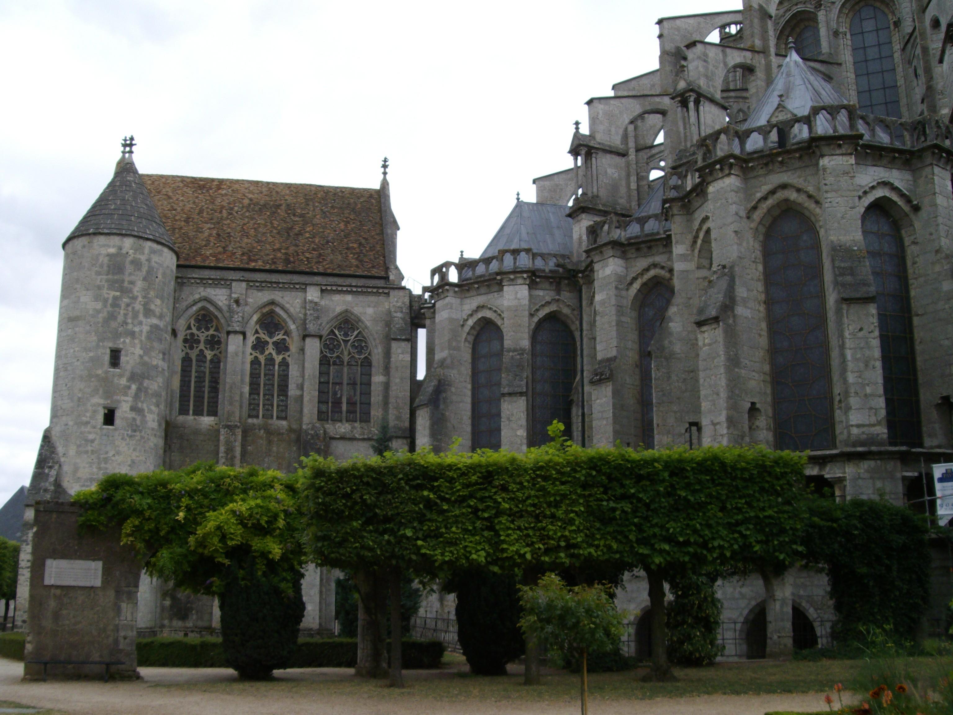LA CATEDRAL DE CHARTRES Exterior Lateral