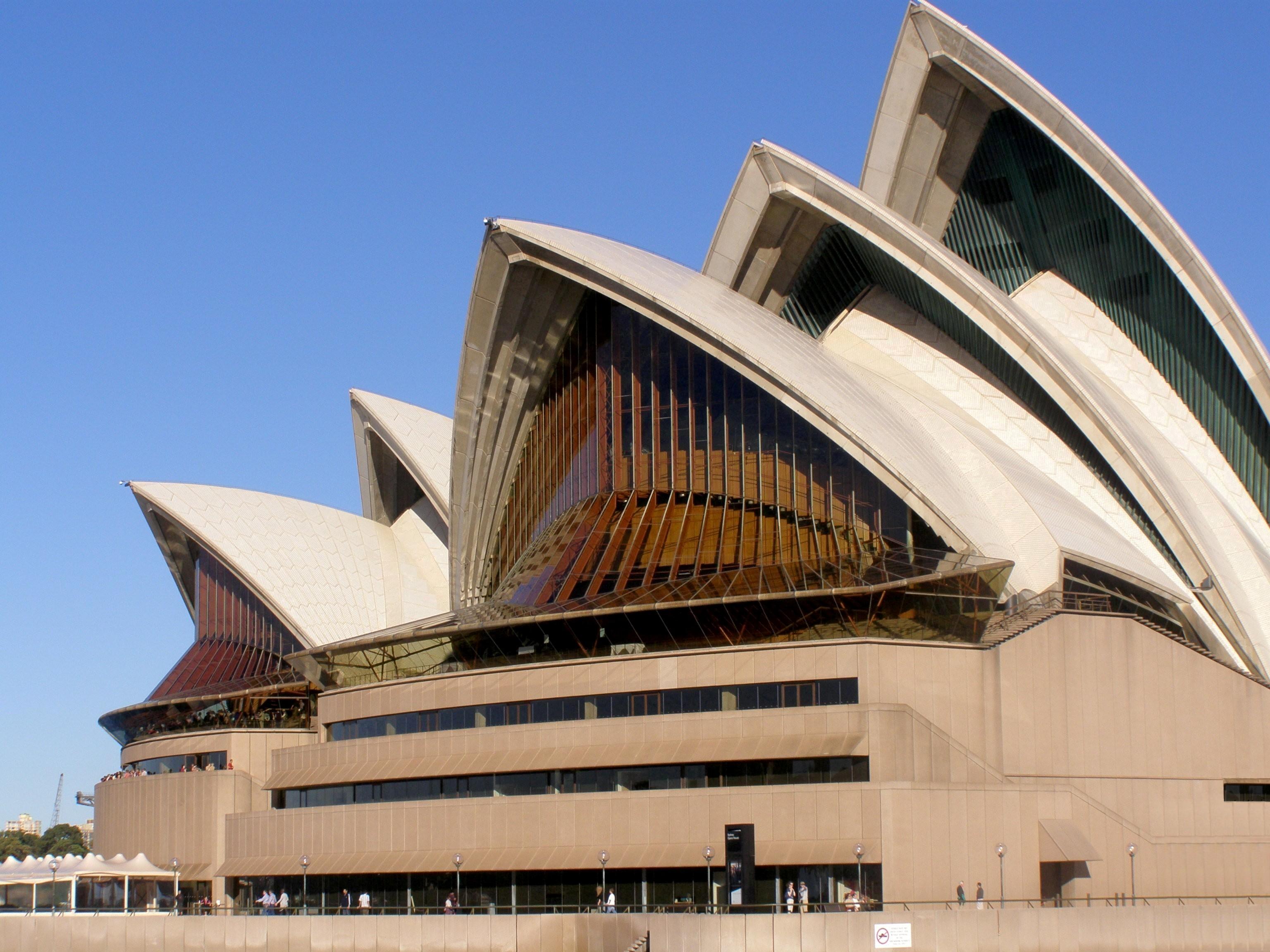 El Teatro De La ópera De Sydney Leitersblues